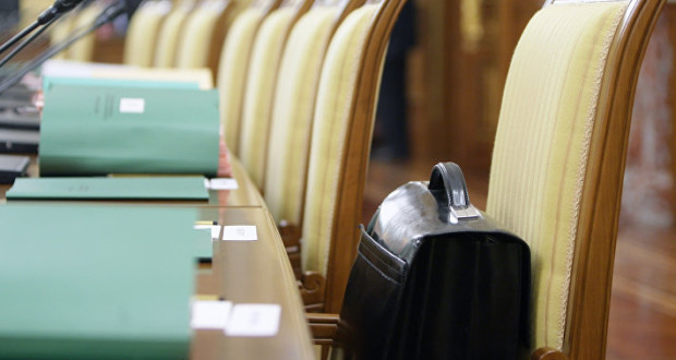 Кабмин РФ предложил обязать ТЦ вблизи федеральных автодорог строить съезды на них
