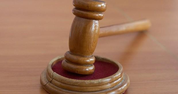 Суд на Урале оставил под арестом недвижимость барда Александра Новикова