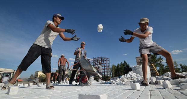 Проект, позволяющий собственникам жилья самим решать, как благоустроить дворы, внесен в ГД