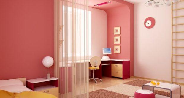 Уютный и функциональный интерьер комнаты для девочки